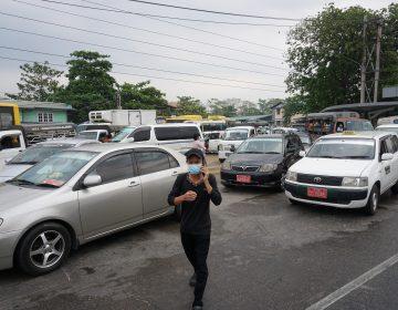 """Birmania: ponen en marcha operación """"coches averiados"""" para bloquear a militares"""