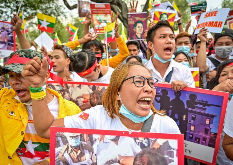 UE prepara sanciones económicas contra militares responsables del golpe de Estado en Birmania