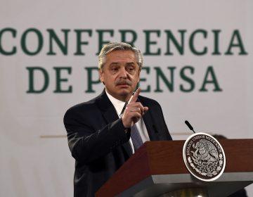 No hay delito que perseguir en escándalo por vacunación irregular en Argentina: presidente Alberto Fernández