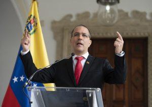 "La Unión Europea declara ""persona non grata"" a representante de Venezuela"