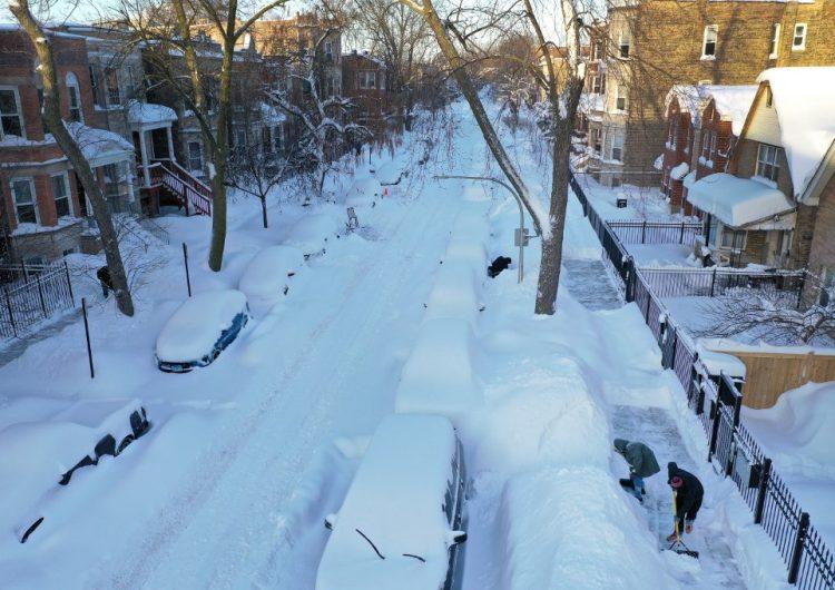 Ola de frío récord en EU deja diez muertos y millones de personas sin electricidad