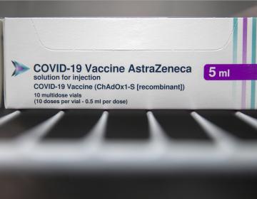 Vacuna de AstraZeneca tiene 76 % de efectividad y reduce transmisión de COVID-19 en 67 %: estudio