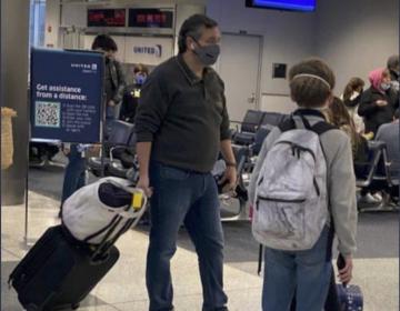 Senador Ted Cruz viaja a Cancún mientras millones en Texas padecen la tormenta invernal