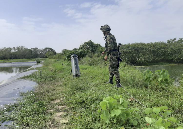 Dos soldados muertos y 11 heridos, el saldo de un ataque guerrillero en Colombia