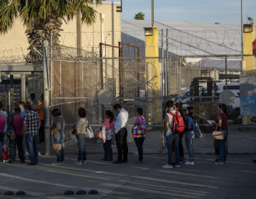 EU analizará solicitudes de migrantes varados en campamento de Matamoros
