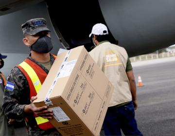 Honduras y Guatemala reciben de Israel 10,000 dosis de vacunas Moderna