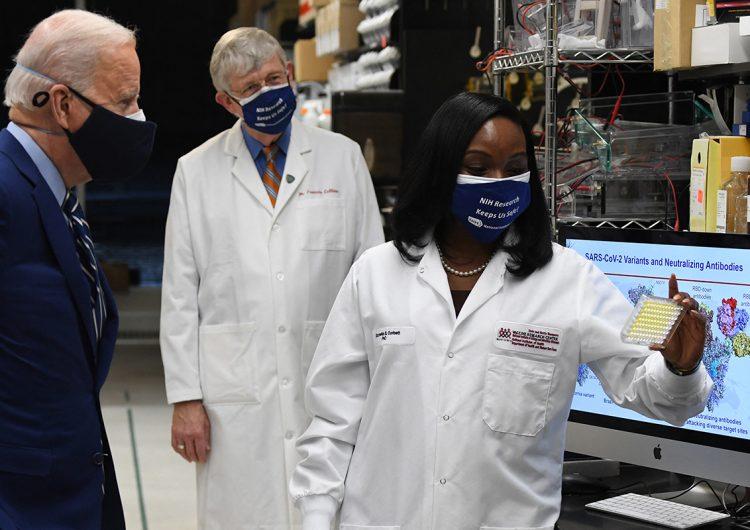 COVID-19: Biden anuncia la compra de 200 millones más de vacunas para EU