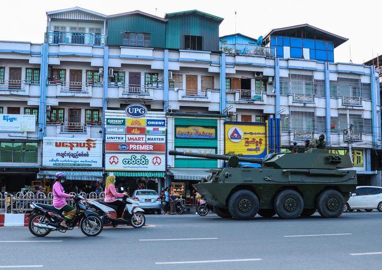 EU reducirá la ayuda económica a Birmania tras el golpe de Estado