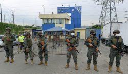 Revueltas en tres cárceles de Ecuador dejan al menos 62…