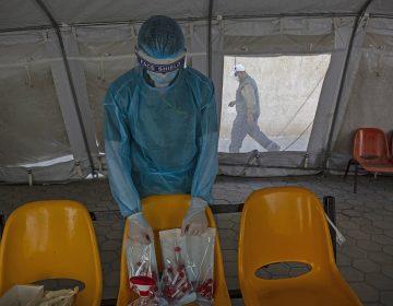Israel vacunará a 100,000 palestinos que trabajan en su territorio