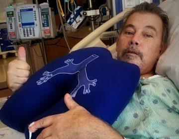Sobreviviente de COVID-19 es sometido con éxito a doble trasplante de pulmón
