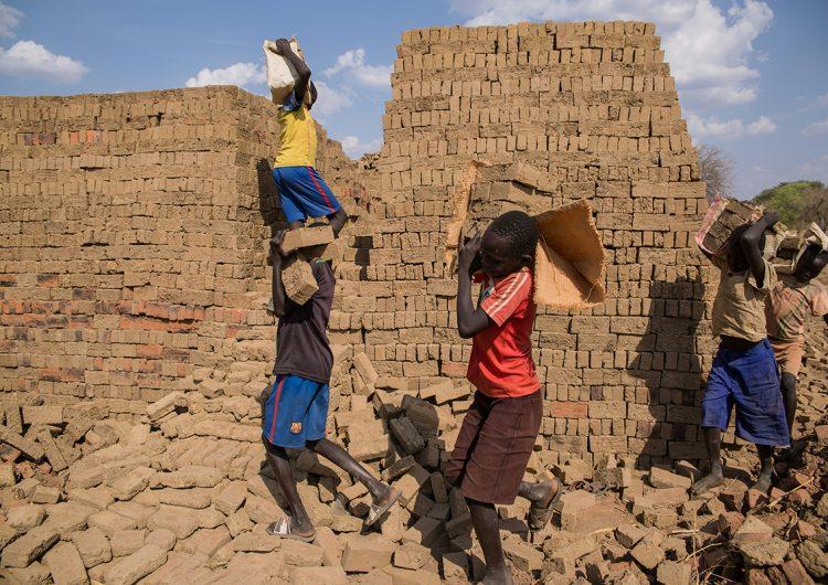 Una tercera parte de las víctimas de trata de personas son niños: informe ONU