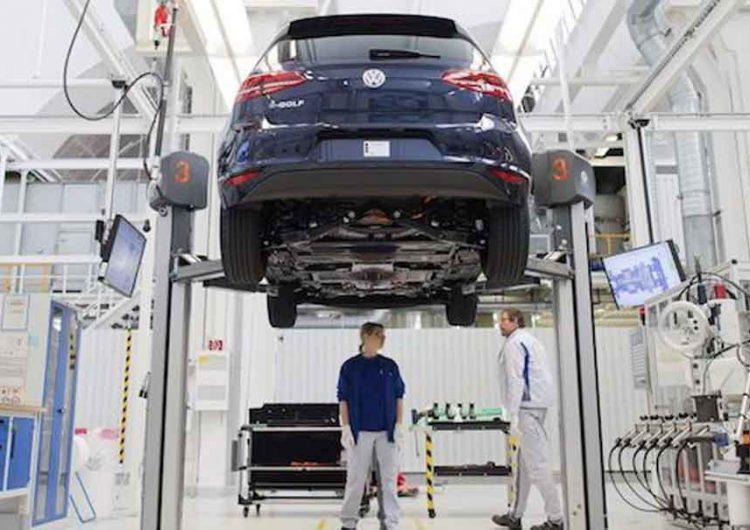 Volkswagen ajustará producción del Jetta