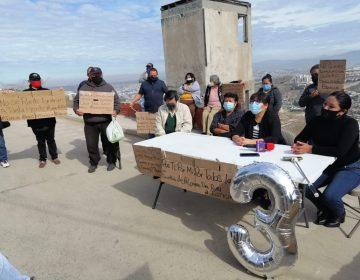 Aún no obtenemos justicia, denuncian familias de Lomas del Rubí a tres años de los derrumbes