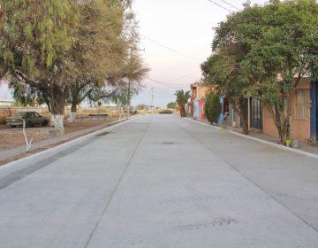 Entrega el gobierno de Jesús María nueva calle pavimentada