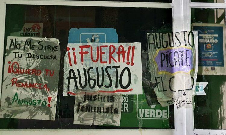 Tapizan oficinas de partidos políticos con pancartas a favor del aborto en Aguascalientes