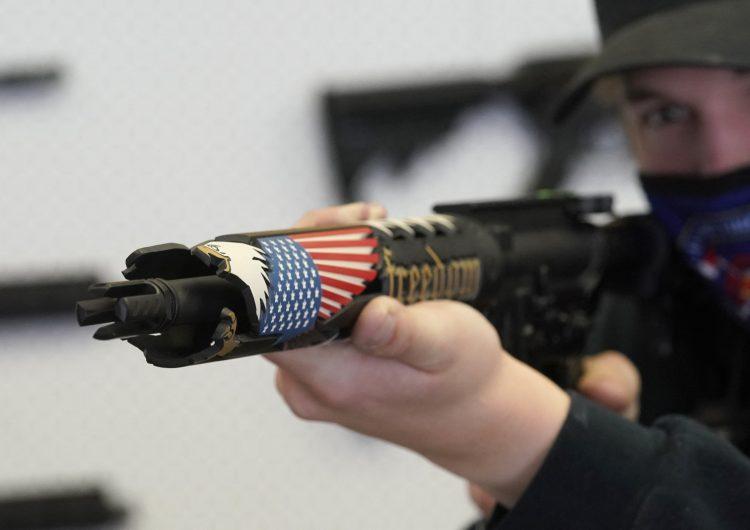 Por primera vez desde 2005, volumen de transferencias de grandes armas entre países no creció: informe