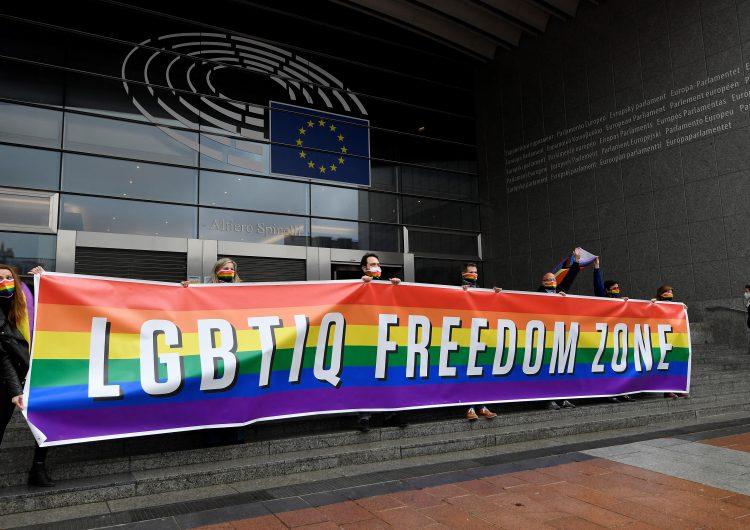 Vaticano asegura que matrimonios homosexuales son 'un pecado' y se niega a 'bendecir' esas uniones
