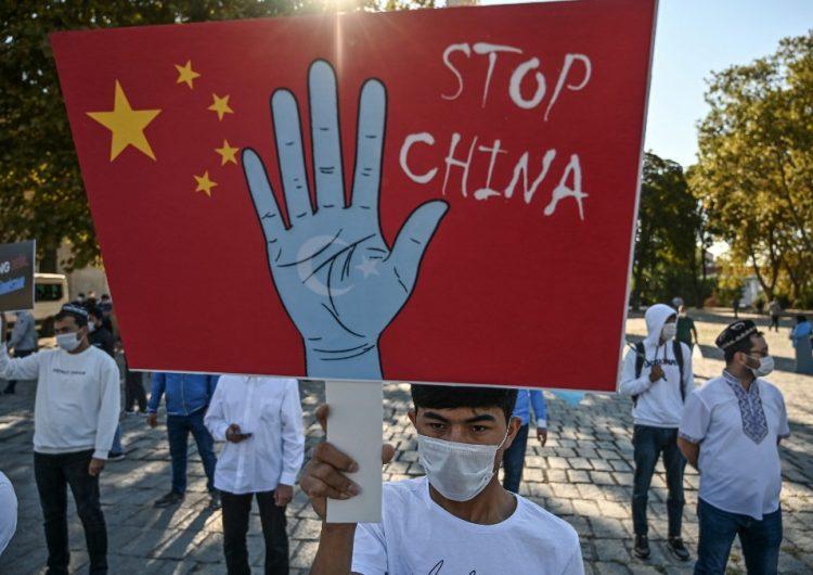 """China comete """"genocidio"""" contra minoría musulmana de uigures, según centro de estudios de EU"""
