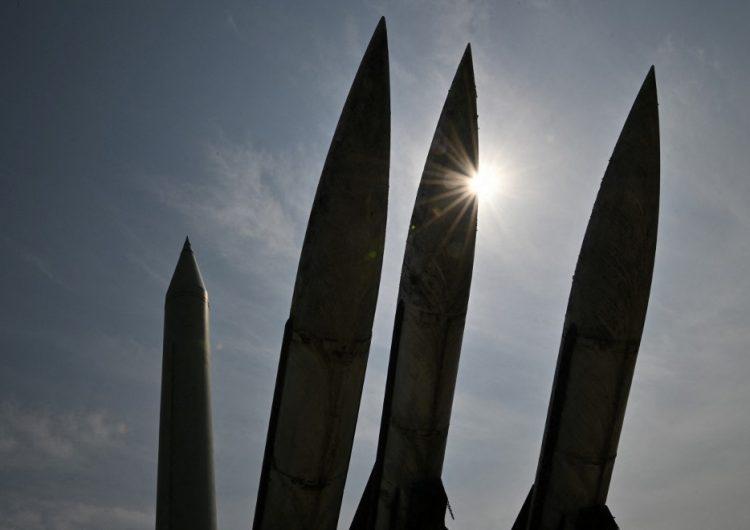"""Corea del Norte lanza un """"proyectil no identificado"""" al Mar del Japón"""