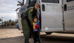 Biden permitirá que familias separadas por gobierno de Trump permanezcan…