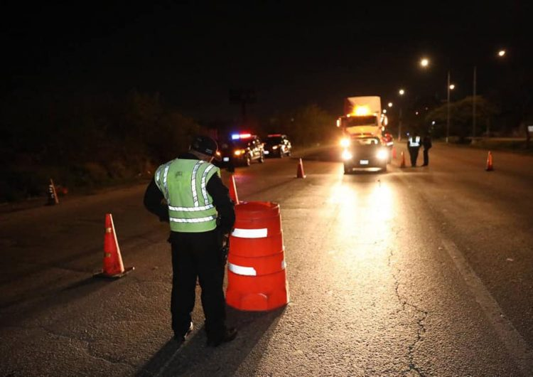 Yucatecos recriminan a gobernador toque de queda