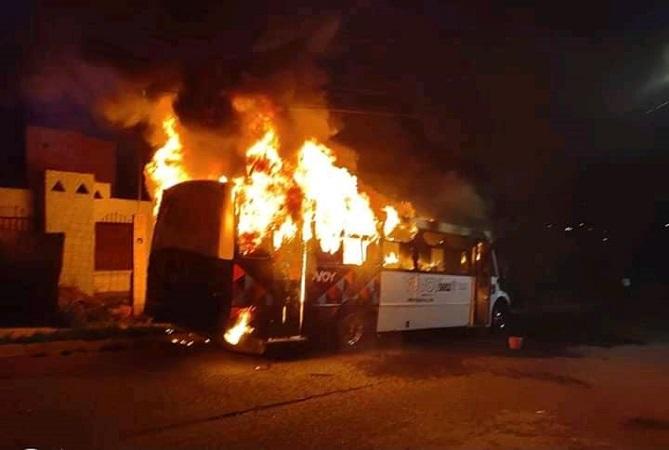 Mandan a prisión a sujeto que provocó incendio de camión urbano en Aguascalientes
