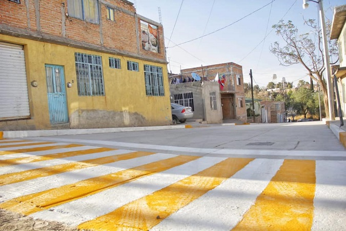 Equipan calles de Col. La Loma en Jesús María