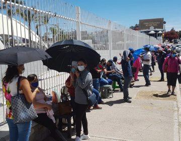 Esperan por 36 horas vacuna contra el Covid-19 en Aguascalientes