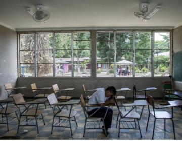 'No puede ser posible que se abran los centros comerciales y no las escuelas': UNICEF