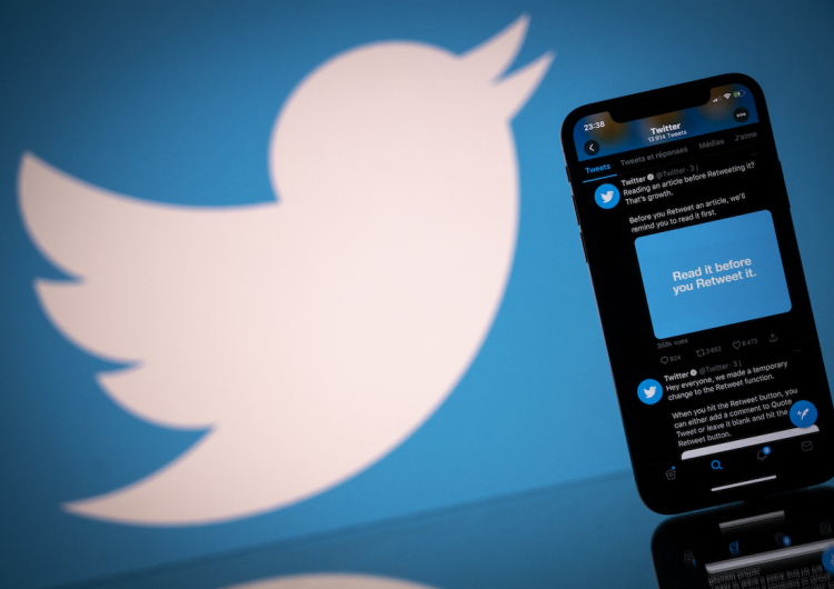Rusia frena funcionamiento de Twitter, lo acusa de no eliminar contenidos de pornografía infantil