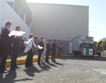 Cofepris autoriza el uso de emergencia para lotes de vacuna CanSino envasados en México