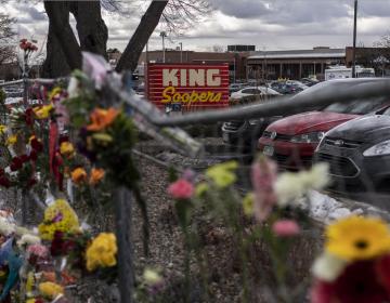 Hombre acusado de matar a 10 personas en Colorado sufría ataques repentinos de furia: policía