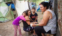 Mujeres migrantes, entre el duelo y el anhelo por recuperar…