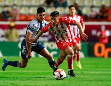 Necaxa y Pachuca empatan a dos goles en Aguascalientes