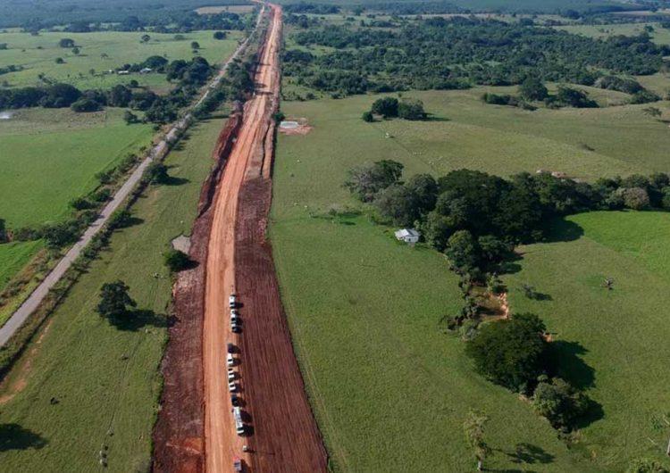 Trabaja Tren Maya con fuentes de materiales locales