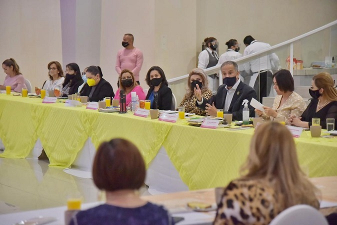 Establece Jesús María alianza para impulsar a empresarias locales