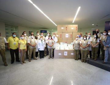 Entregan equipo de protección a personal médico del Hospital Hidalgo
