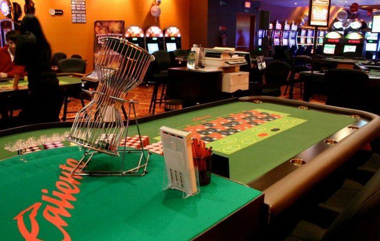 Gobierno de Bonilla decomisa 208 máquinas de juego a casino del precandidato Hank