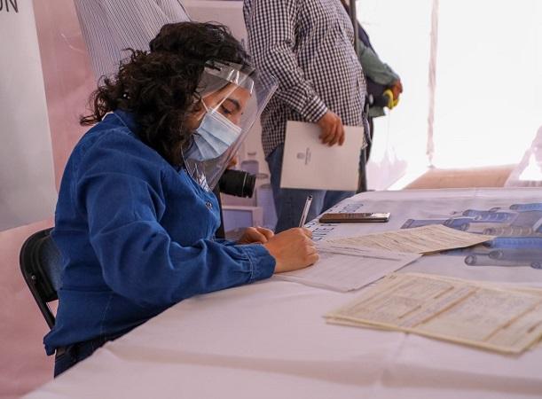 Realizan primera feria de empleo para mujeres en Aguascalientes