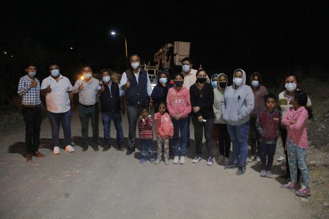 Instalan luminarias en comunidad Rancho Seco en Jesús María
