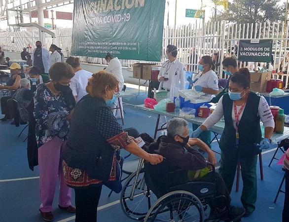 Hospitalizan a hombre de 63 años tras recibir vacuna en Aguascalientes