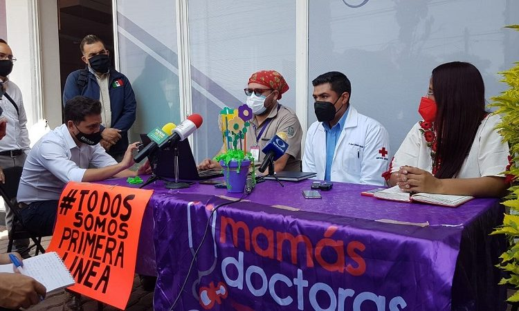 Casi 7 mil trabajadores de la salud no han recibido vacuna en Aguascalientes: médicos