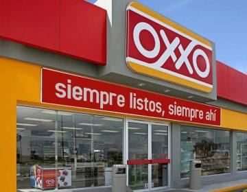 Oxxo paga menos luz que una familia de clase media: AMLO