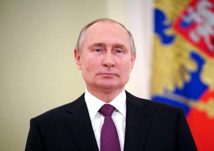 Putin firma ley que le permite postularse por dos mandatos más; podría tener continuidad hasta 2036