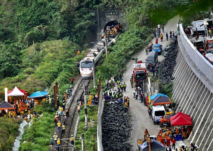 50 personas pierden la vida en un accidente de tren en Taiwán, el más grave en 40 años