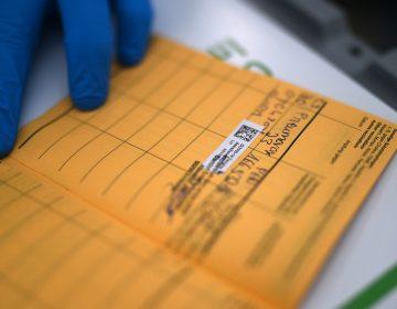 OMS rechaza uso obligatorio del pasaporte de vacunación en viajeros internacionales