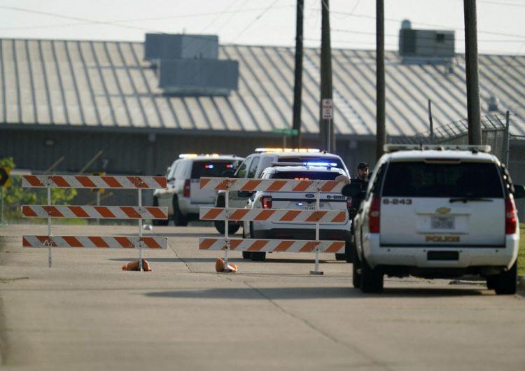 Al menos un muerto y cuatro heridos graves en un tiroteo en Texas