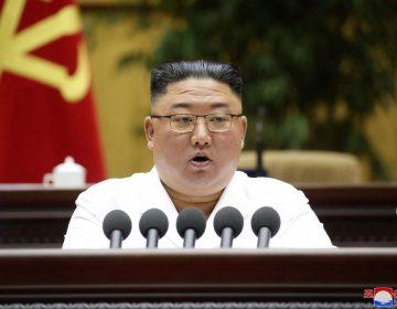 """Kim Jong Un anticipa tiempos sociales """"difíciles"""" para Corea del Norte"""