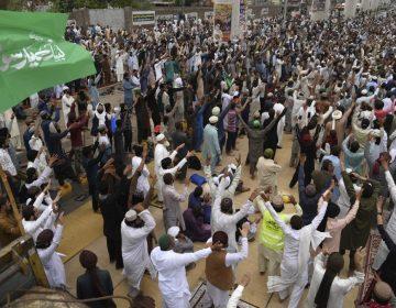 Pakistán bloquea las redes sociales tras las violentas manifestaciones antifrancesas
